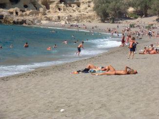 beach-1453626-640x480
